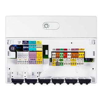 Interior Módulo de control adicional de circuito solar Junker MS100